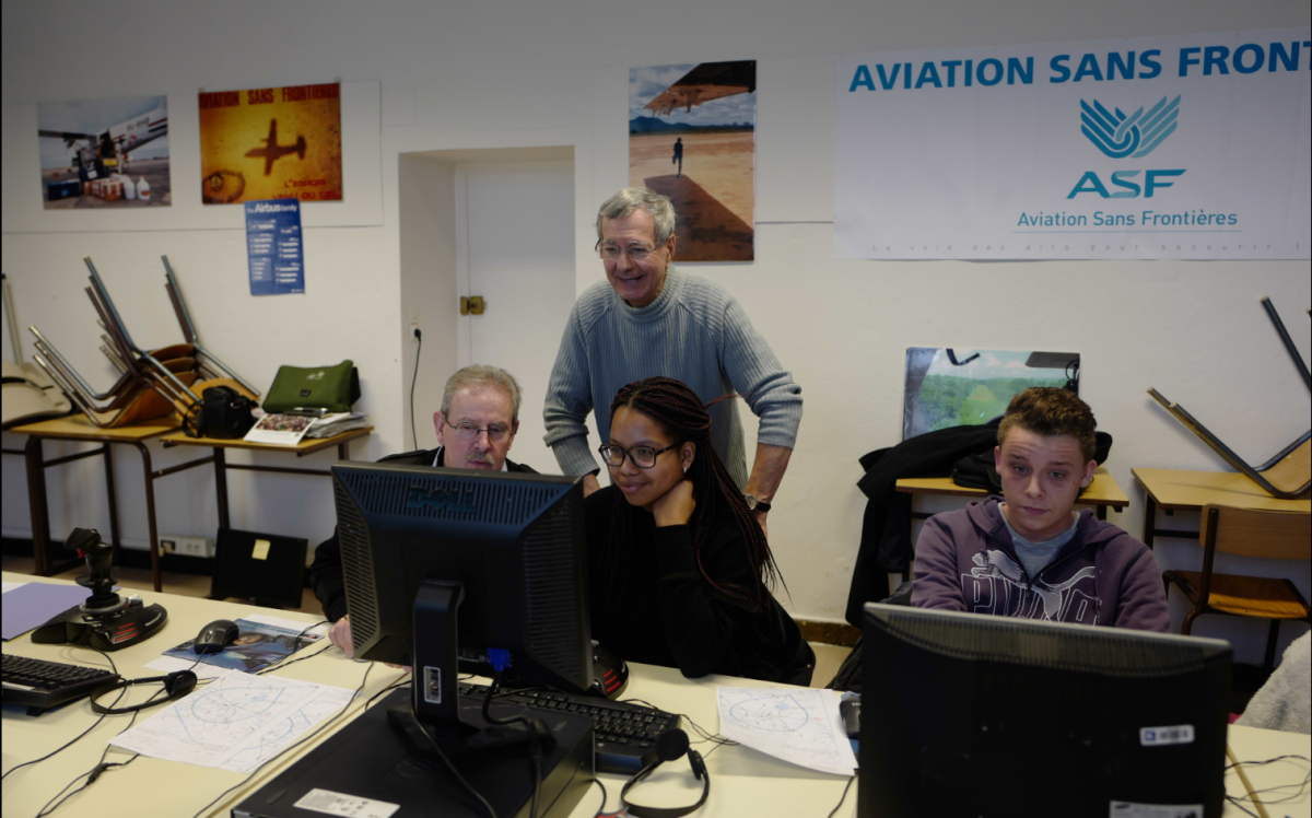 Bernard anime une session e-Aviation