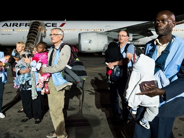 Aviation Without Borders escorts 9 Madagascan children